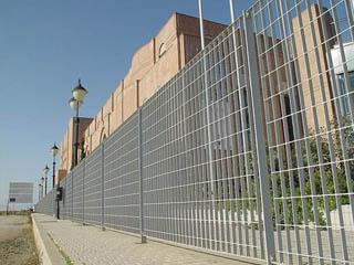 钢格板围栏